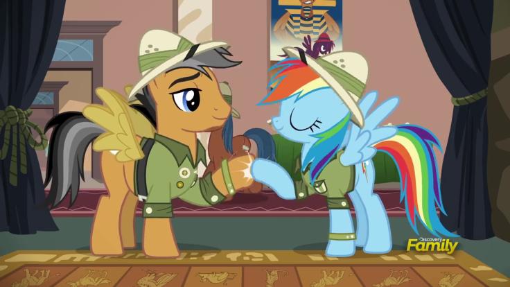 Rainbow_and_Quibble_hoof-bump_S6E13